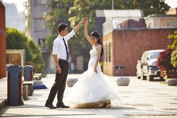 ウェディングドレス用の補整下着の色は絶対に白を選ぼう