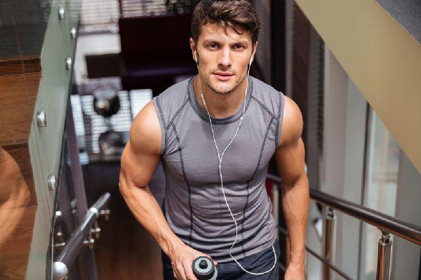 男性用補整下着の加圧シャツはサイズ感で選びたい